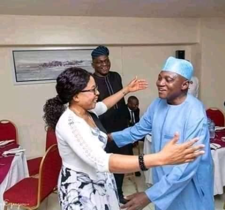 """""""This is a disgrace to Islam"""" Photo of Presidential spokeperson Garba Shehu moving to hug a woman angers Muslims"""