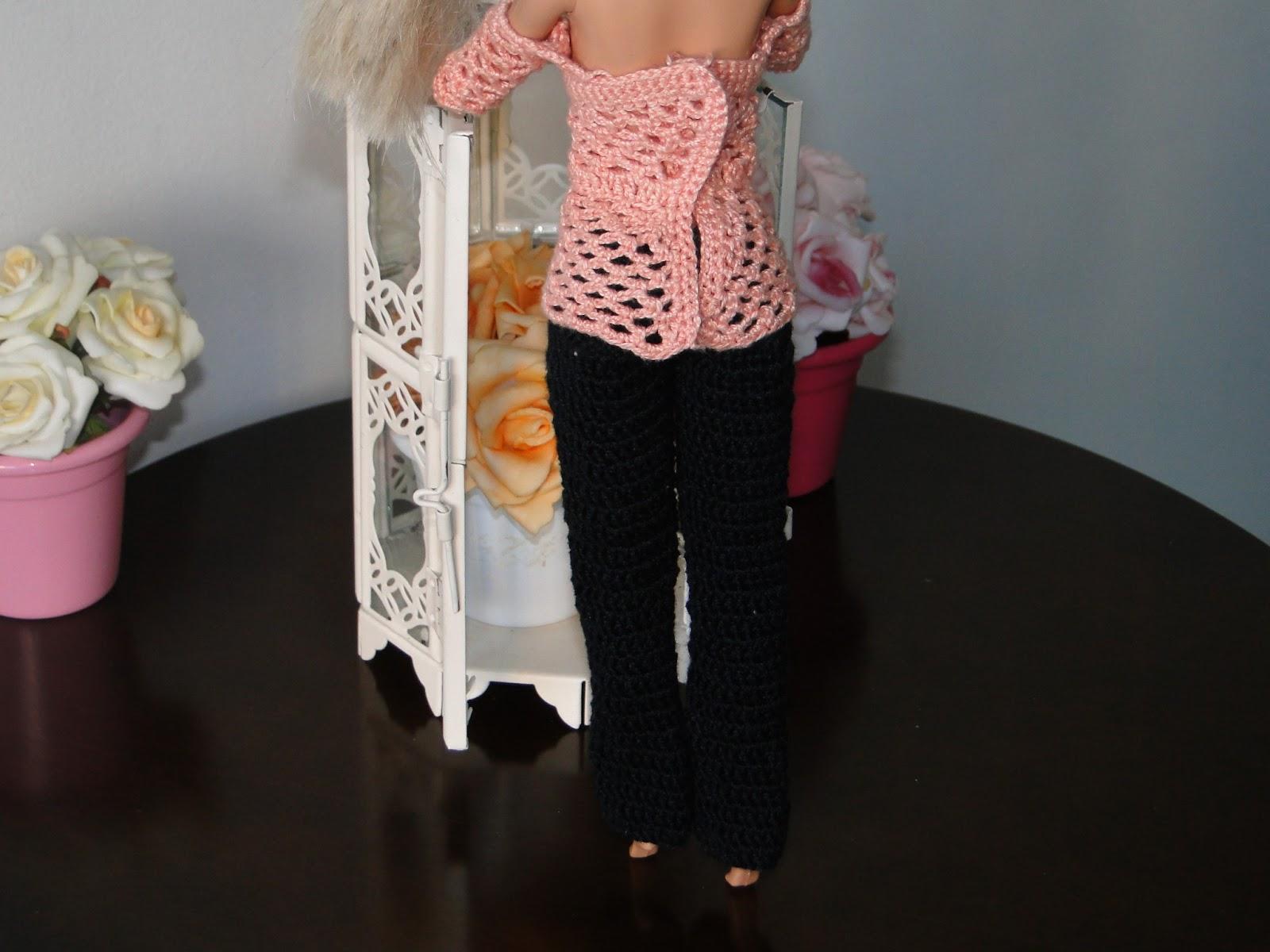 PAP e gráfico desta blusa de crochê para Barbie criada por Pecunia MillioM