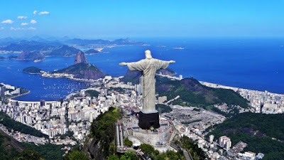 Figure:What city is this famous statue of Christ in?