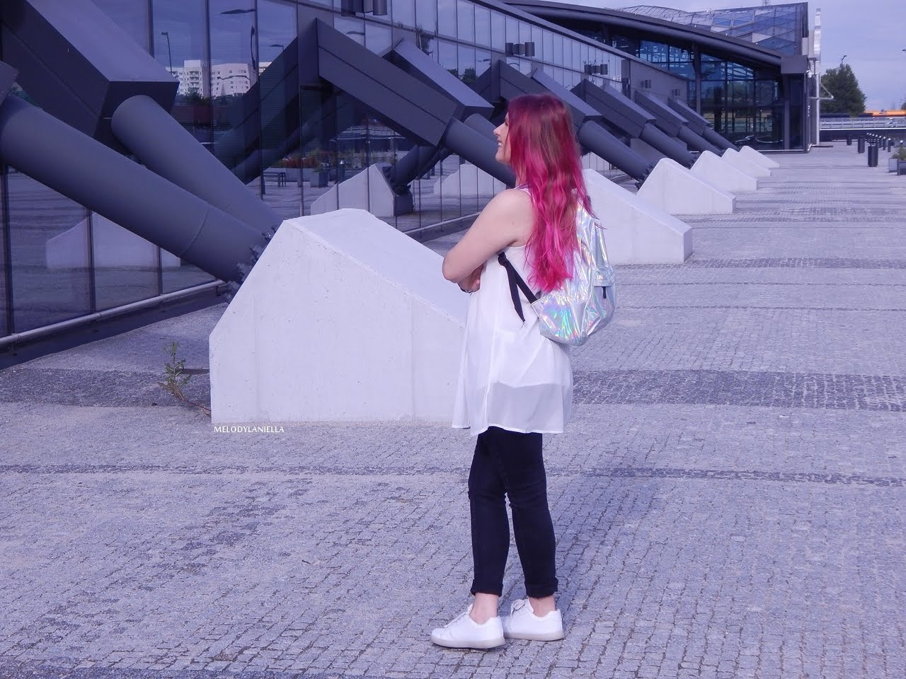 10 holograficzny plecak betterlook.pl farby venita różowe włosy jak pofarbować włosy kolorowe włosy ombre pink hair paul rich watches zegarek czarne jeansy z dziurami modna polka lookbook