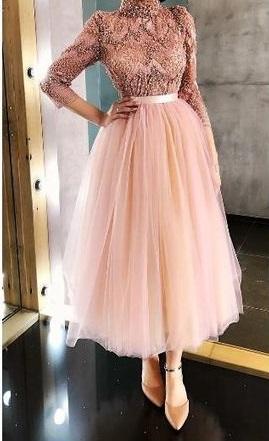 فستان سوارية مطرز