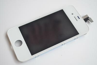 Thay màn hình điện thoại iPhone 4