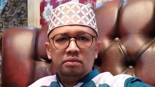 Harga Cat Ulang Pesawat Kepresiden Ditaksir Milyaran Rupiah, Gus Umar: Seurgen Ini Kah Ubah Warna Pesawat?
