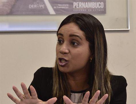 """""""É uma decisão do Governo do Estado de desenvolver o projeto e fazer a recuperação da ponte"""", afirma Fernanda Batista sobre situação da Ponte Velha em Santa Cruz do Capibaribe"""