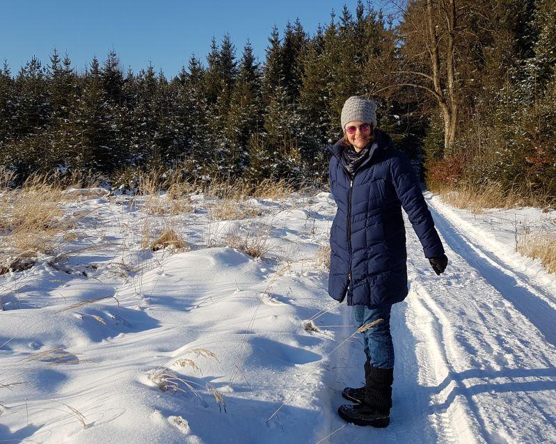 Winterwonderland Winterwald Sunny is snowdiving