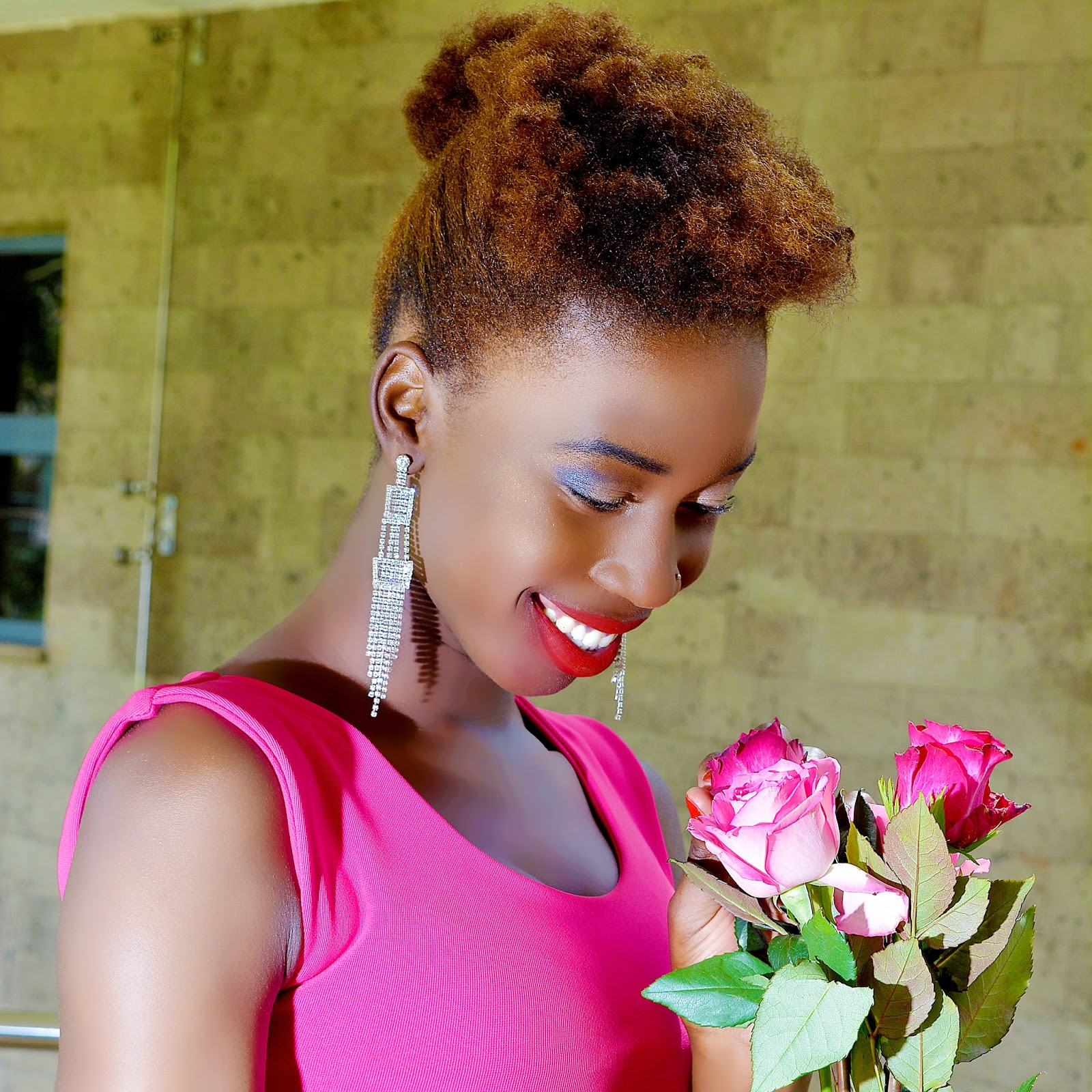 natural hair, type 4c hair, kinky hair, dyed natural hair,natural hair, kenyan fashion blogger, african fashion blogger, fashion blogger kenya, style with ezil, twa hairstyles, how to style my twa, what to do with my type 4c hair, pink dress, bodycon dress, how to style a bodycon dress, sleeveless pink dress