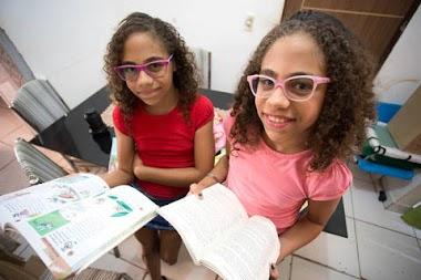 Irmãs juntam dinheiro à espera da 9ª Bienal
