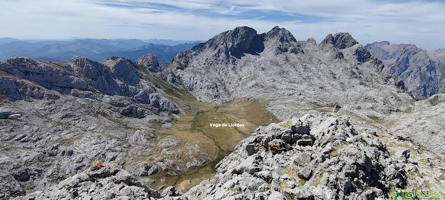 Vista desde la Padiorna hacia la Vega de Liordes