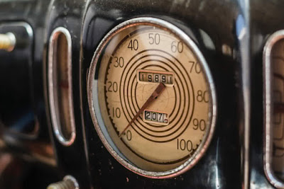 Lincoln Zephyr V12 Twin-Grille Classic Car Speedometer