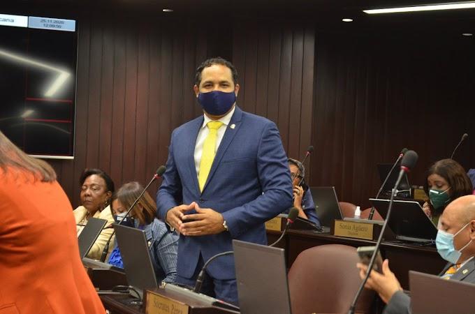 Diputado Héctor Ramírez opuesto a que el gobierno cobre multas por violación toque de queda