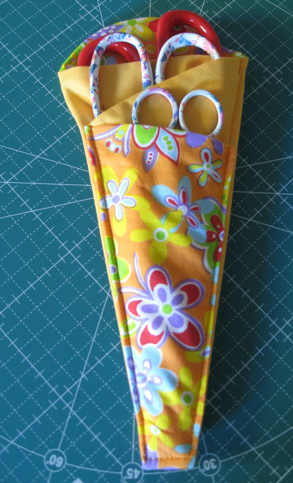 Vicki's Fabric Creations: Folded Fabric Scissor Holder ...