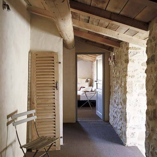 15 Great Rustic Hallway Designs That Will Inspire You With: Roses And Rust: Stone Walls