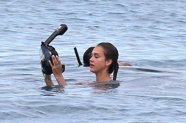 Jessica Alba Wearing a Bikini in Hawaii