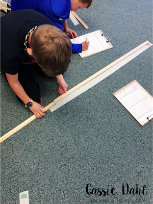 Integrate some fun science centers into your Matter Unit. This blog post is packed full of ideas for matter measurement centers and it even includes a FREE recording sheet to make your planning even easier!