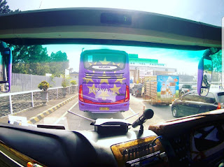Bus Pariwisata Double Glass