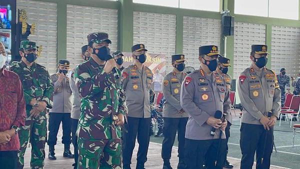 Panglima TNI dan Kapolri Jenderal Listyo Siap Memimpin Serbuan
