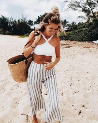 outfit blanco para la playa juvenil de moda casual