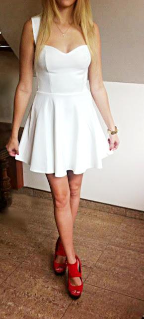 czerwone buty, biała sukienka, stylizacje