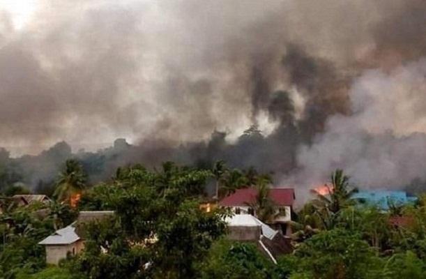 Bentrok Warga di Buton, 87 Rumah Terbakar