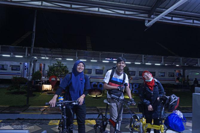 Sampai di Stasiun Kiaracondong, Bandung