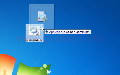 Icone desktop Windows trascinamento di un icona sull'altra