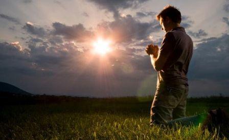 3 Alasan Mengapa Kita Harus Berdoa Di Pagi Hari