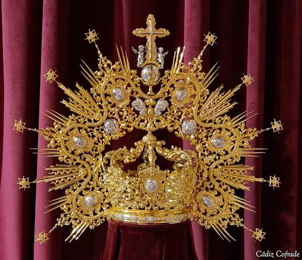 El Amor restaura la corona de la Virgen de la Esperanza de Cádiz