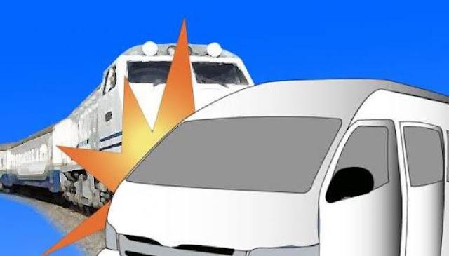 Kereta Sibinuang Tabrak Mobil di Perlintasan Sebidang Jambak