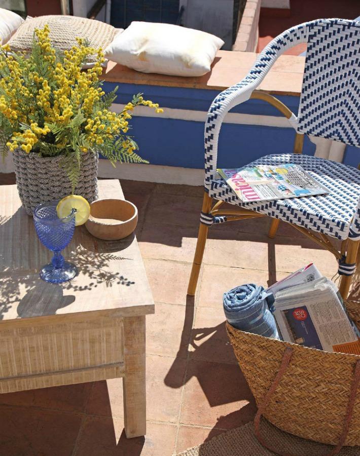 Una casa fresca y natural junto al mar Mediterráneo