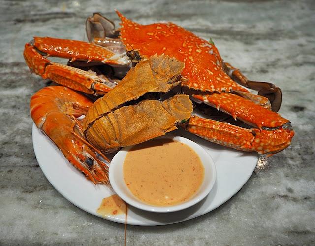 Kontiki Seafood BBQ Buffet Menu -Seafood on Ice - Selection