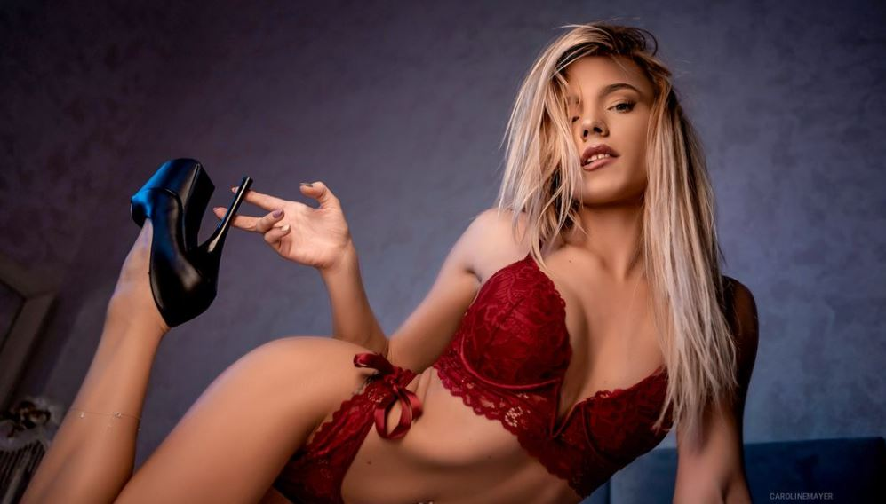CarolineMayer Model GlamourCams