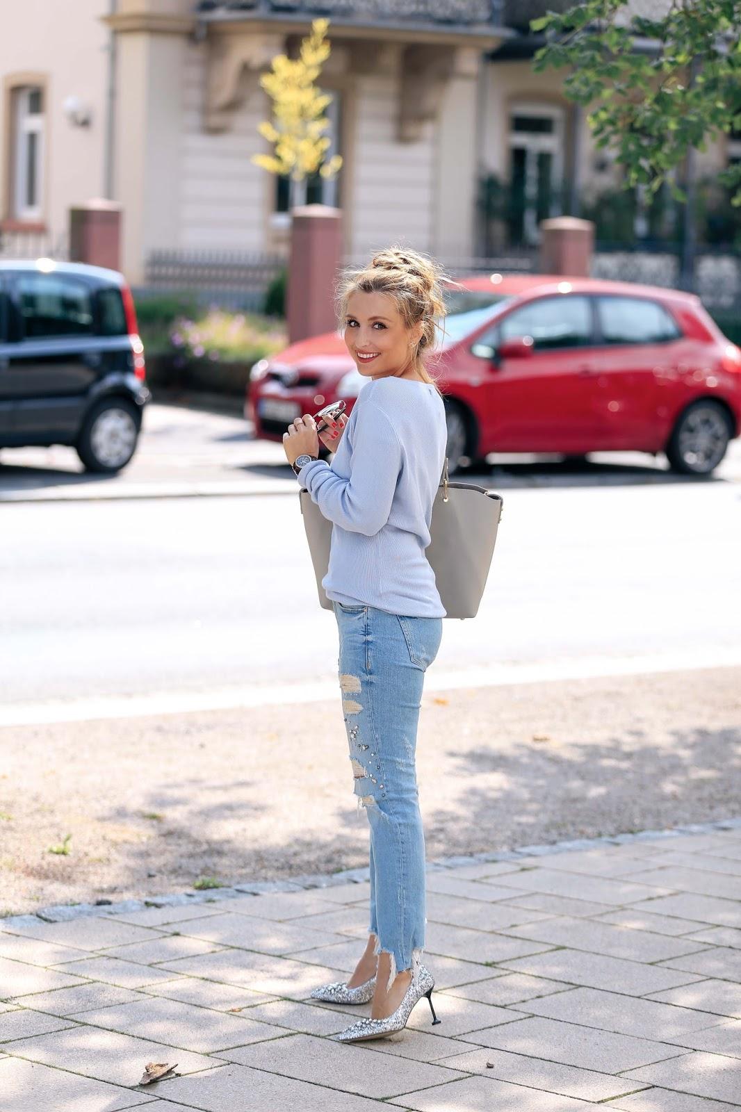 glitzer-pumps-miumiu-Fashionblogger-aus-deutschland-deutsche-fashionblogger-blauer-pullover-fashionstylebyjohanna
