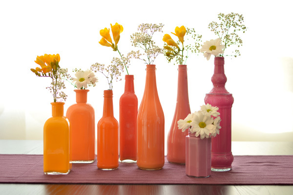 diy jarrones de colores con botellas