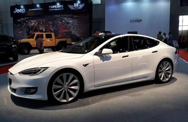 300.000 unit Mobil Listrik Tesla Ditarik dari China, Ada Apa?