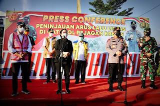 Kapolri dan Panglima TNI Cek Gerbang Tol Penjagaan Brebes