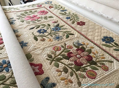 'Caswell Quilt' made by Lynda Johnson,  designed by Corliss Searcy, quilted by Frances Meredith