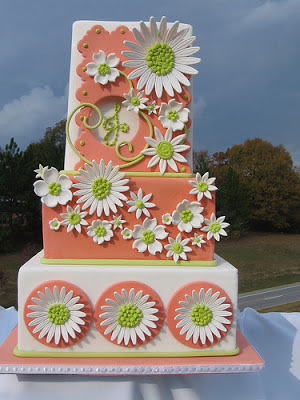 daisy wedding cake, coral and green wedding cakes