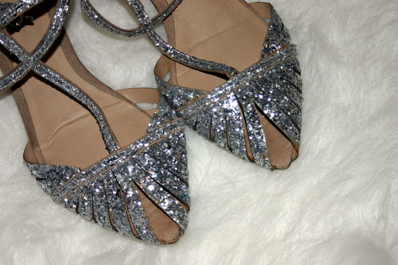 Day to Day of a Dazzling Diva: Poshmark - An Honest Review
