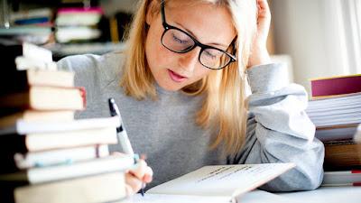 Contoh Soal dan Pembahasan Menentukan Bagian Teks | (Ujian Nasional 2019/2020)