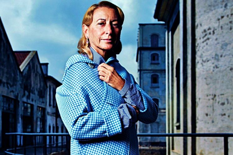 Miuccia Prada aile şirketlerinin başına geçmeden önce pandomim yaparak hayatını kazanıyordu.