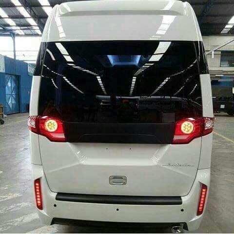 Isuzu Meluncurkan ELF NLR 4 Ban Yang Bisa Digunakan Untuk Sebagai Angkutan Barang Truk Serta Penumpang Microbus