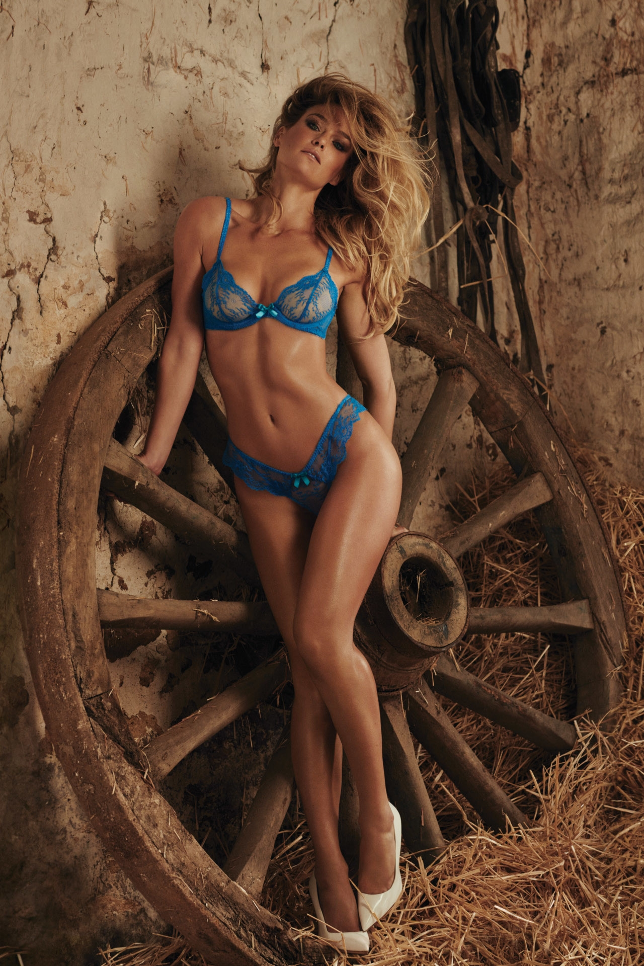 Beauty model bikini mobile wallpaper