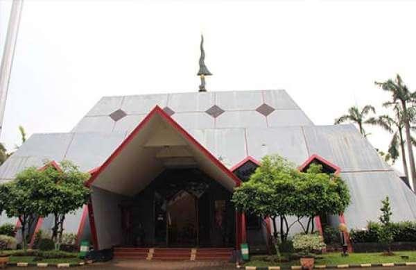 Museum Pusaka, Tempat Bersemayam Senjata Tradisional dari Penjuru Indonesia