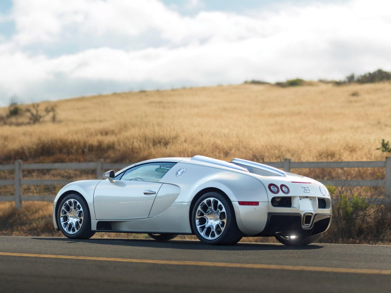 Sleek All-White Bugatti Veyron Grand Sport En Route To ...