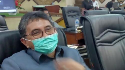 DPRD Kota Padang Sahkan Ranperda Retribusi Jasa Usaha
