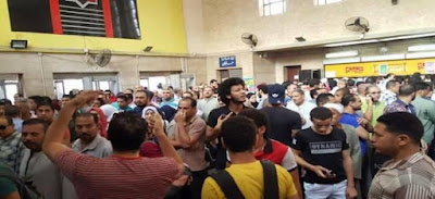 تظاهرات غاضبة بمحطات المترو