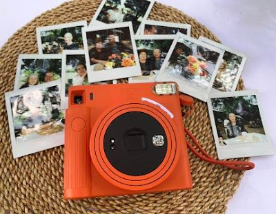 Instax SQUARE SQ1 with Instax square prints