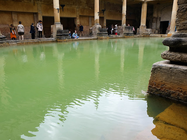 Bassin des thermes de Bath