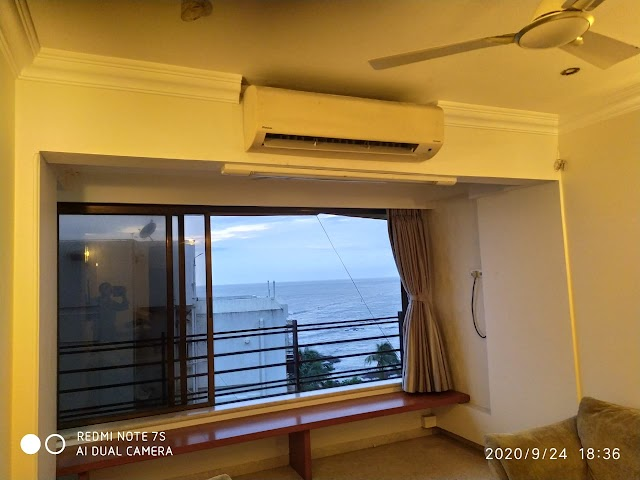 Spacious and Airy 2bhk apartment for sale | Bandra(W)