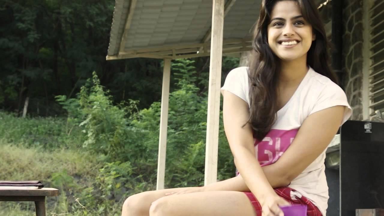 Neha Mahajan Sexy Photos